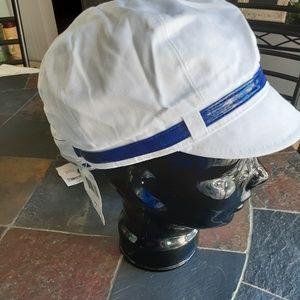 Reseller bundle of 8 NWT hats